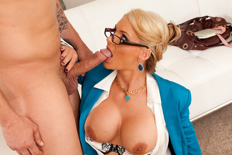 Phoenix Marie Anthony Rosano In Naughty Office
